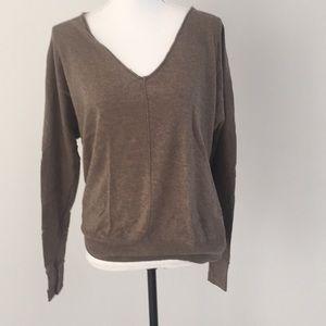 Gap v neck sweater medium